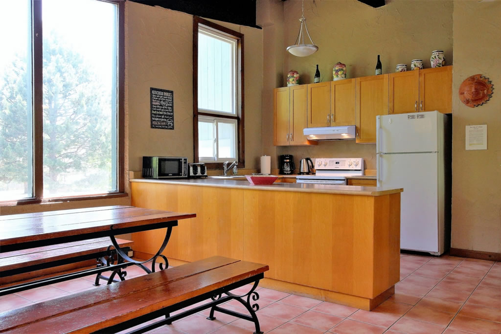blue mountain chalet rental kitchen